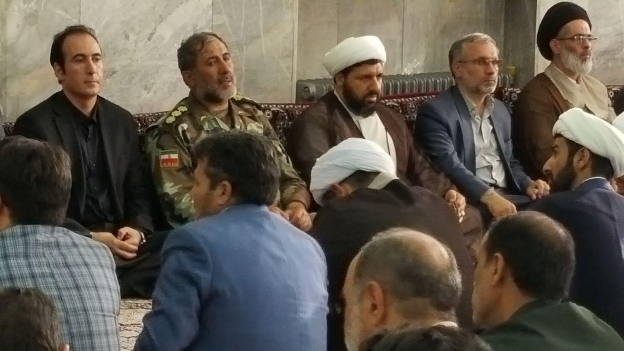 دکتر محمدی در مراسم تشییع شهید احمد نجفی